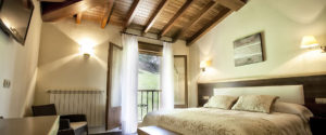 hotel villa de mestas habitacion